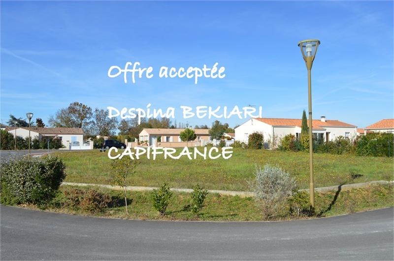 Terrains du constructeur CAPI FRANCE • 918 m² • SAINT GENIS DE SAINTONGE