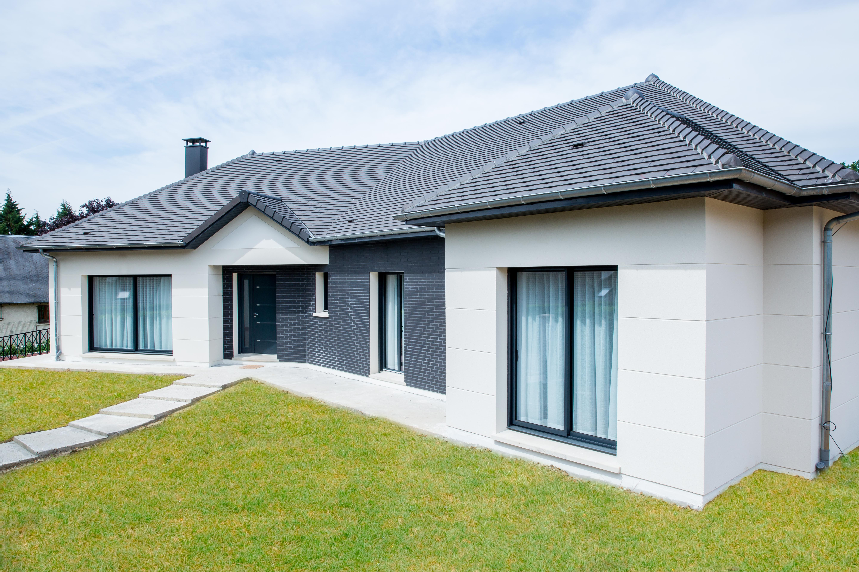 Terrains du constructeur MAISONS ERMI • 379 m² • LAMORLAYE