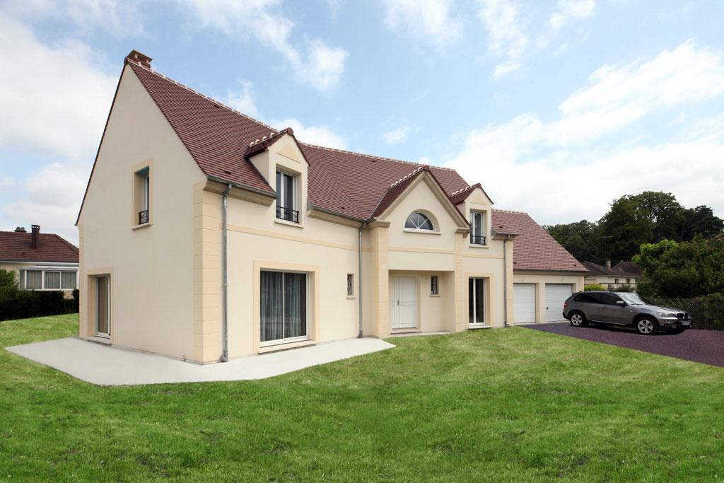 Terrains du constructeur MAISONS ERMI • 750 m² • ERCUIS