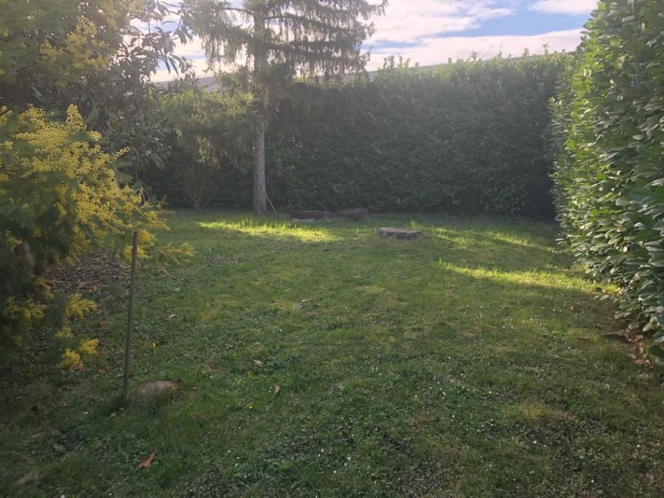 Terrains du constructeur MAISONS FRANCE CONFORT • 440 m² • LAUNAGUET