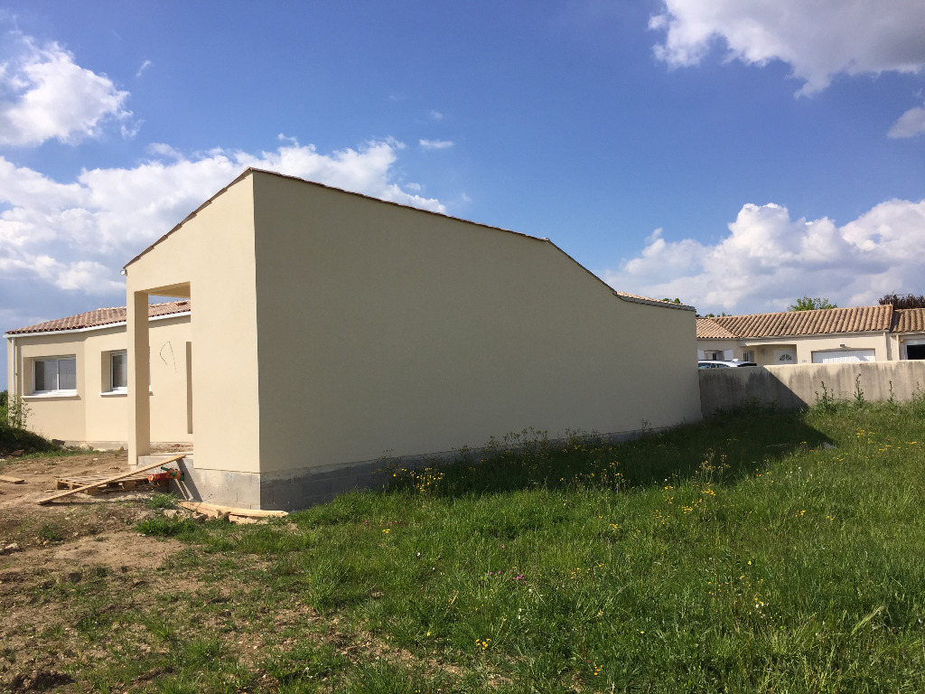 Maisons du constructeur MAISONS ARLOGIS • 456 m² • DOMPIERRE SUR MER
