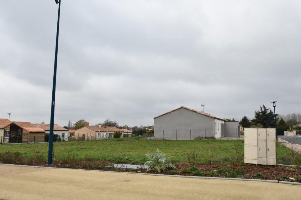 Terrains du constructeur LMP CONSTRUCTEUR • 837 m² • LA CHATAIGNERAIE