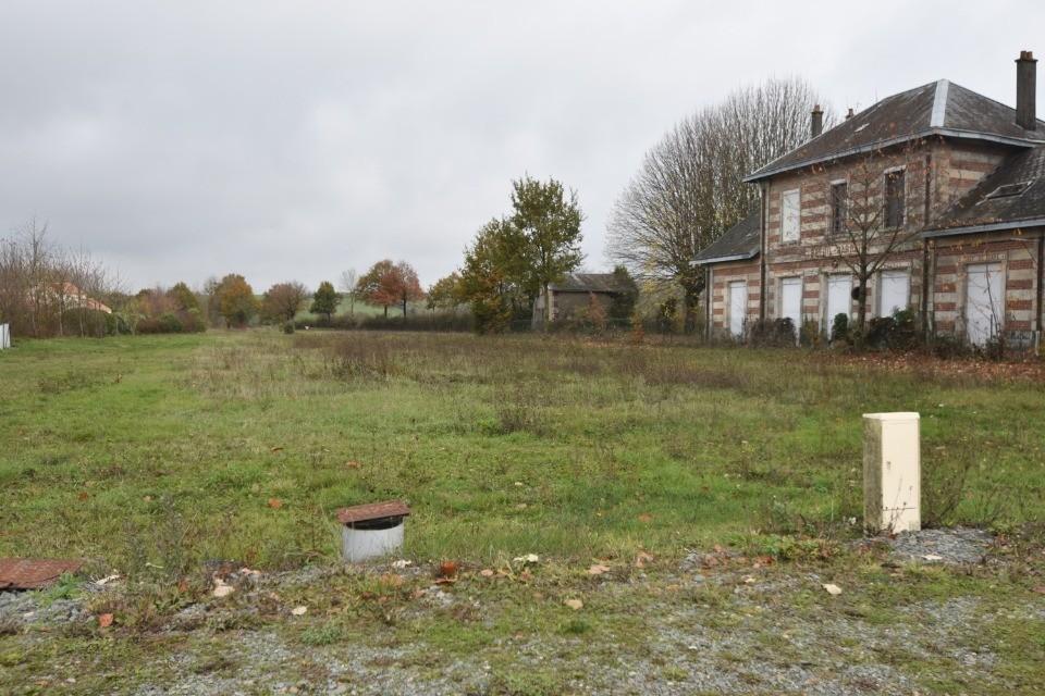 Terrains du constructeur LMP CONSTRUCTEUR • 581 m² • BREUIL BARRET