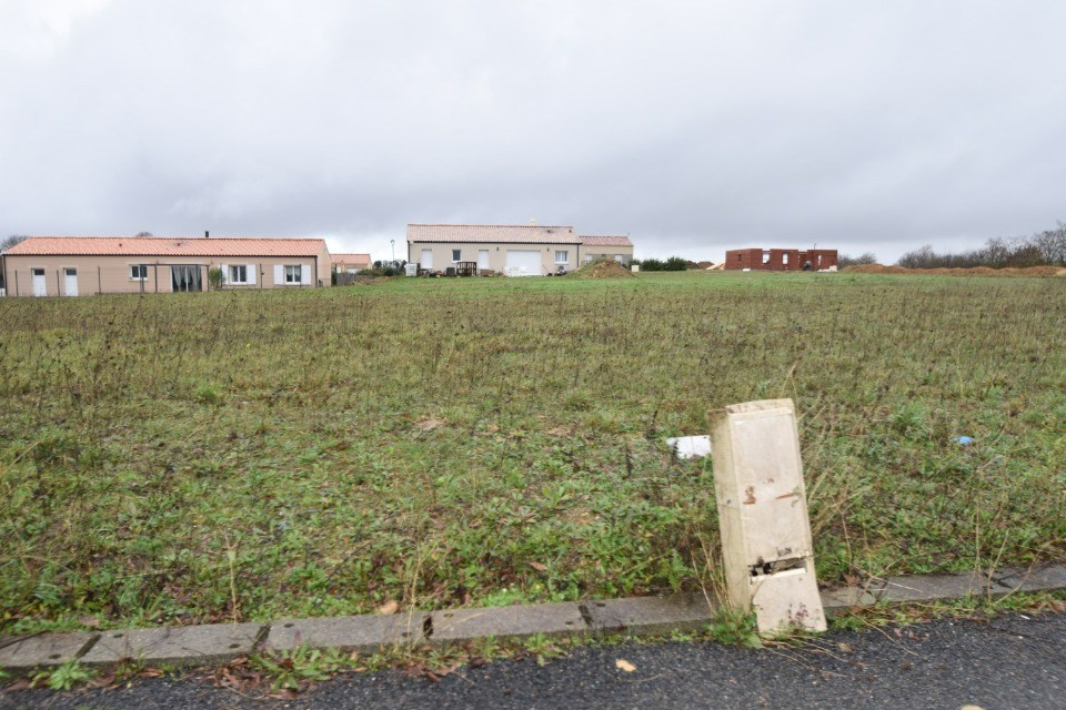 Terrains du constructeur LMP CONSTRUCTEUR • 549 m² • LOGE FOUGEREUSE