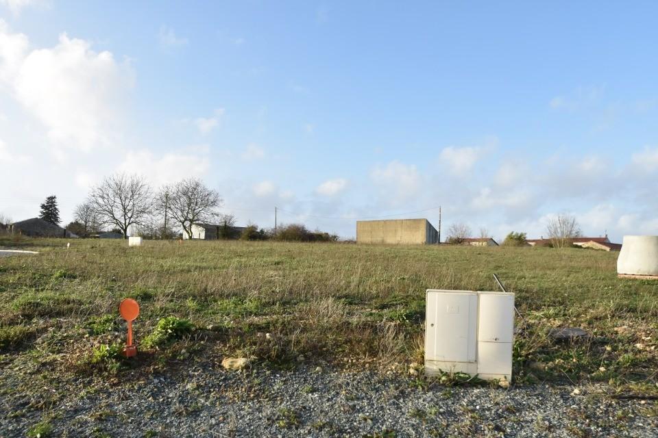 Terrains du constructeur LMP CONSTRUCTEUR • 529 m² • LONGEVES