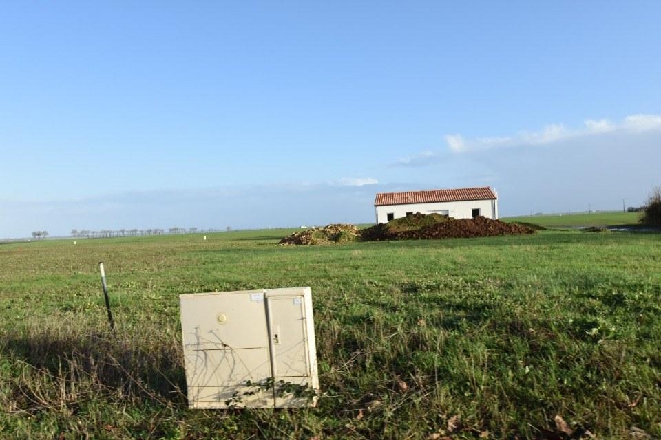 Terrains du constructeur LMP CONSTRUCTEUR • 652 m² • PETOSSE