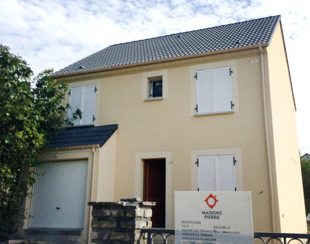 Maisons du constructeur MAISONS PIERRE MELUN • 104 m² • DAMMARIE LES LYS