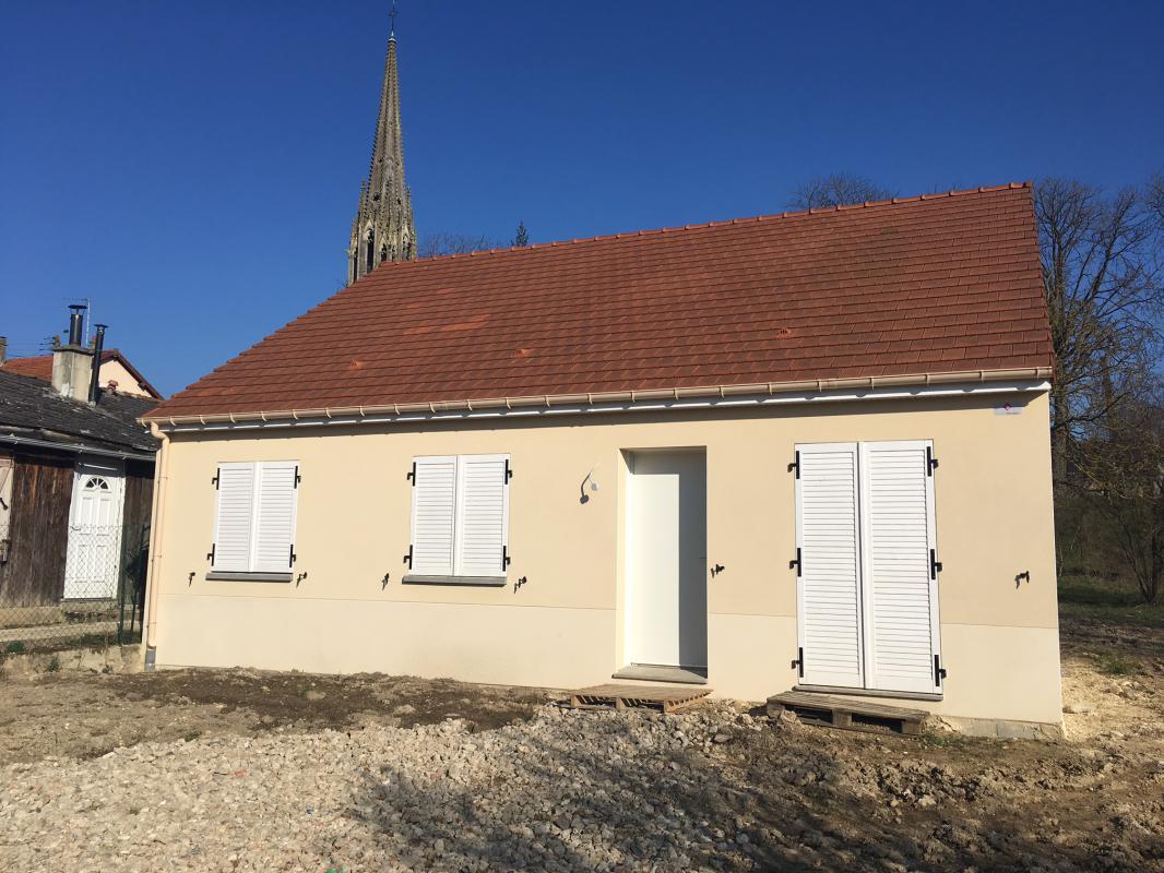 Maisons du constructeur MAISONS PIERRE STE GENEVIEVE DES BOIS • 55 m² • SAINT CHERON