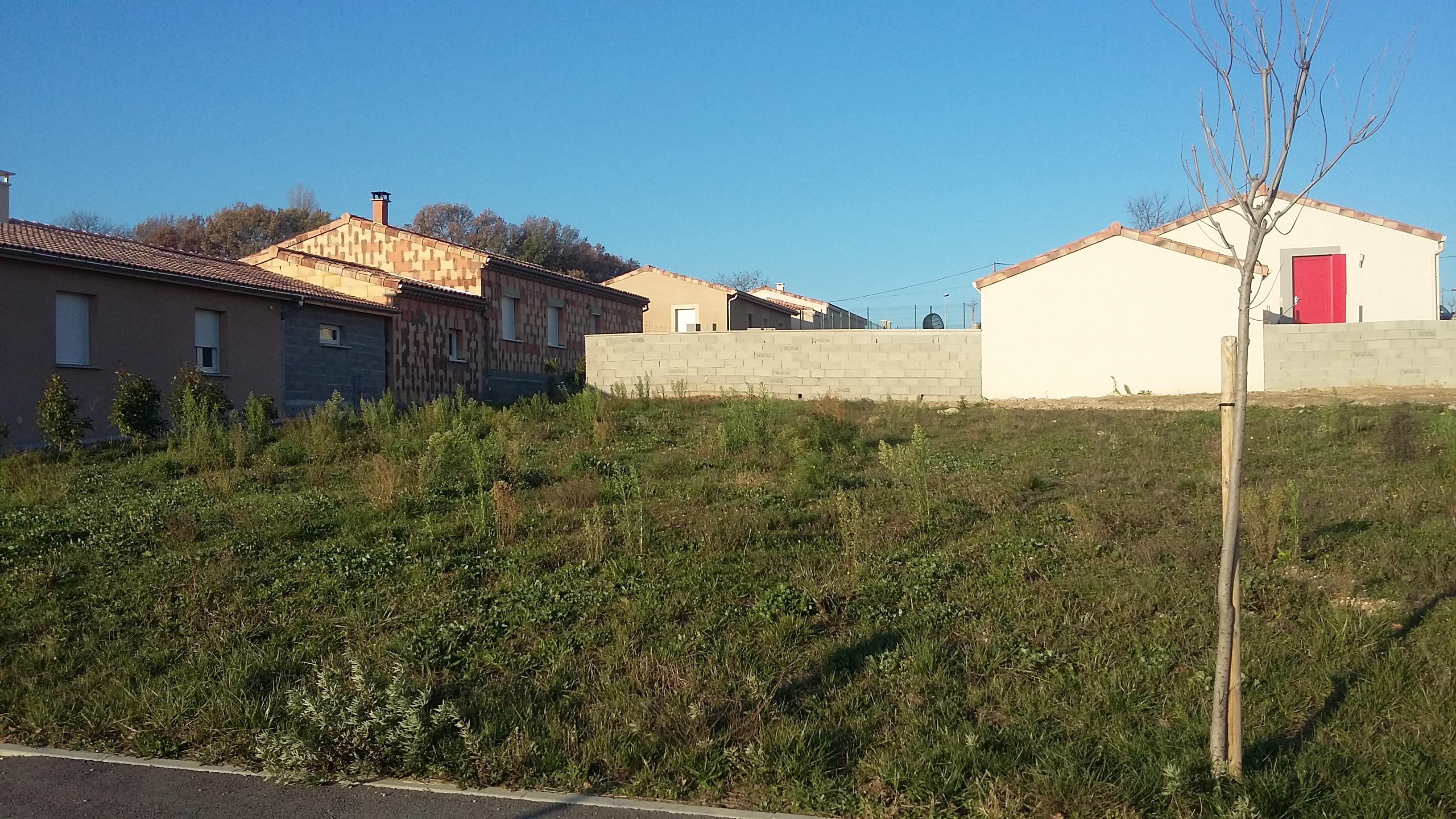 Terrains du constructeur BATIVILLA SARL A&K • 649 m² • SAINT GERVAIS SUR ROUBION