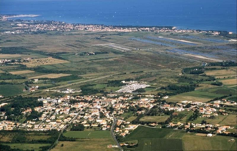 Terrains du constructeur AGENCE DELILLE • 660 m² • SAINT GEORGES D'OLERON