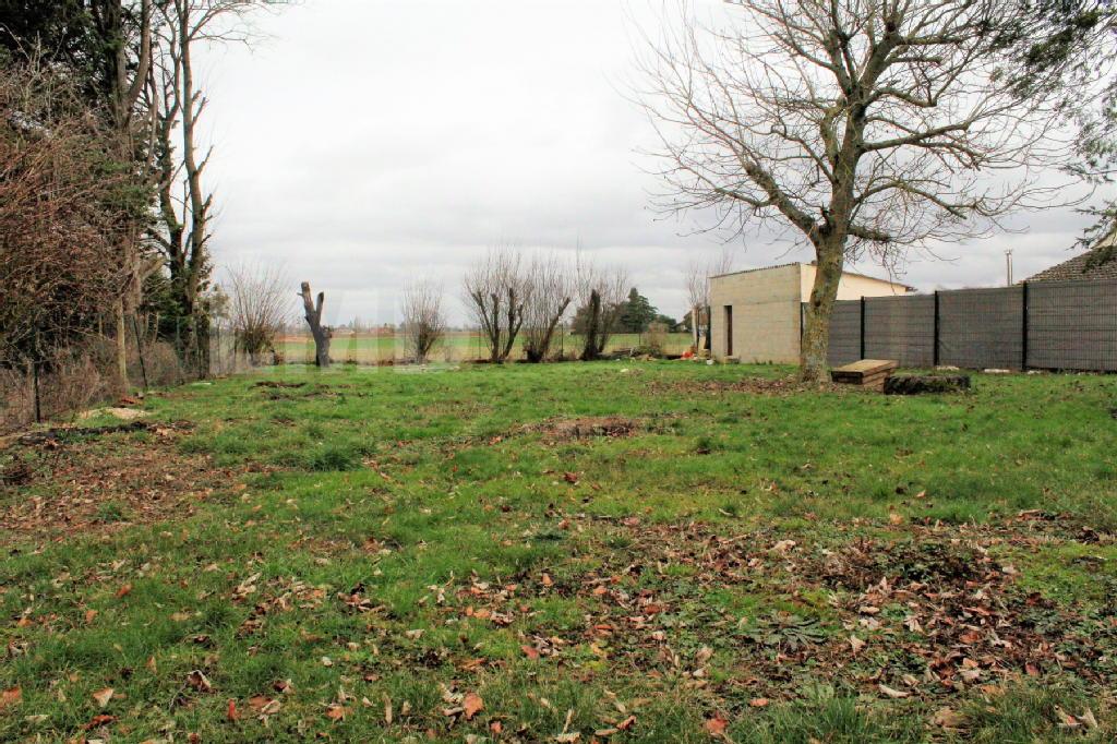 Terrains du constructeur LMD IMMOBILIER • 672 m² • JOUY LE CHATEL