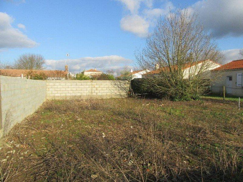 Terrains du constructeur VRIGNAUD ET BIRON IMMOBILIER • 400 m² • CHALLANS
