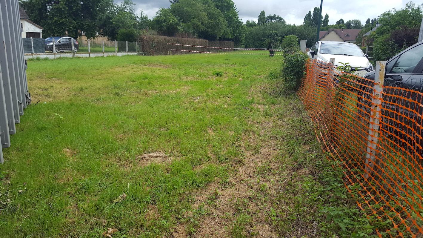 Terrains du constructeur GROUPE DIOGO FERNANDES • 717 m² • CHARPONT