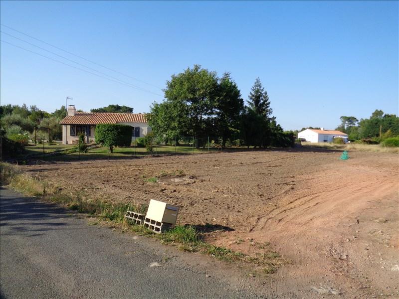 Terrains du constructeur AJP IMMOBILIER • 748 m² • SOULLANS