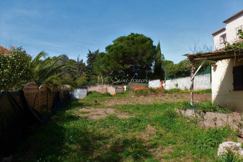 Terrains du constructeur ST FRANCOIS IMMOBILIER • 491 m² • FREJUS