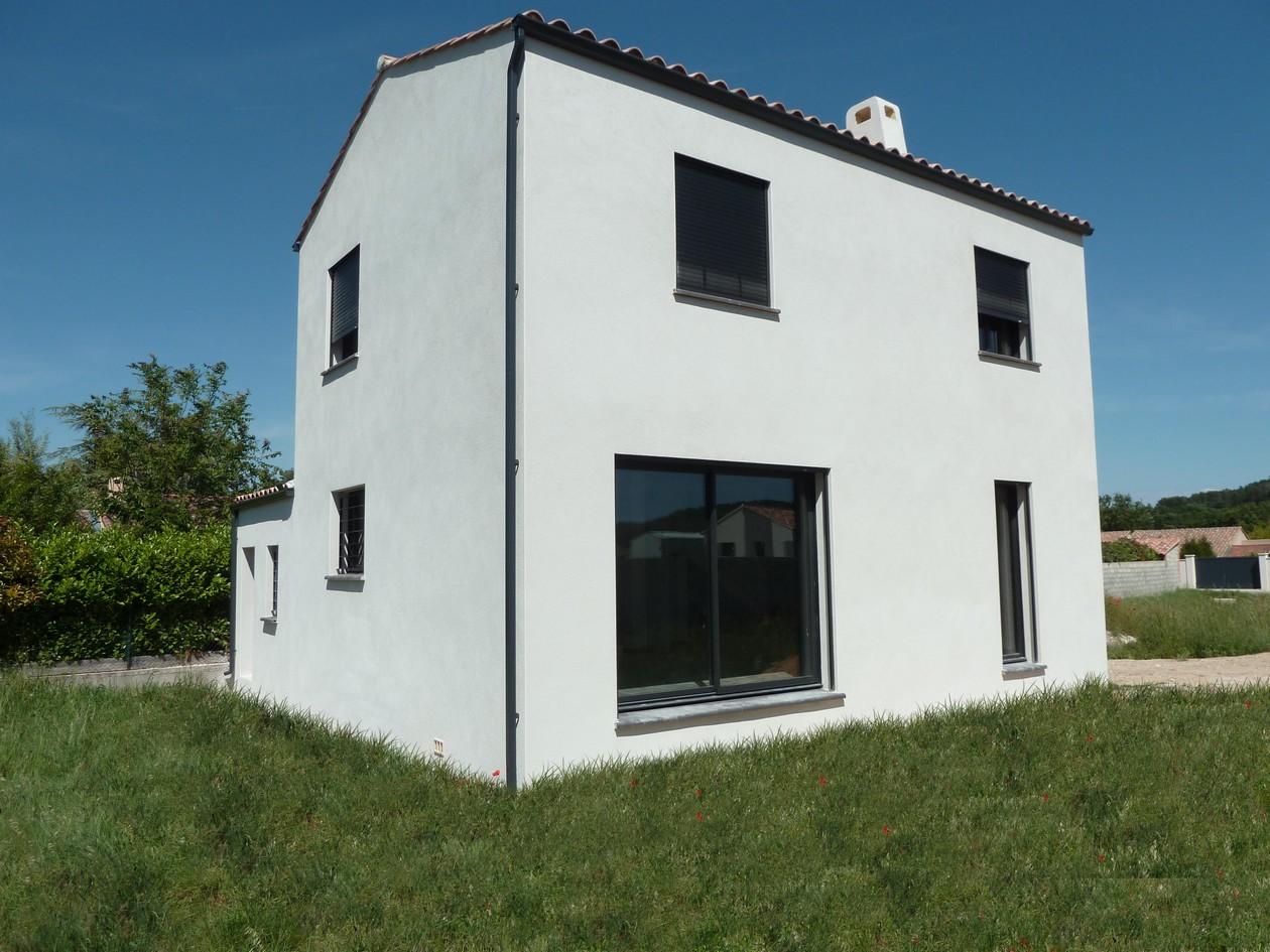 Maisons du constructeur MAISONS MADDALENA • 82 m² • CALVISSON