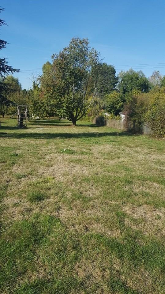 Terrains du constructeur MAISONS BALENCY • 889 m² • EVERLY