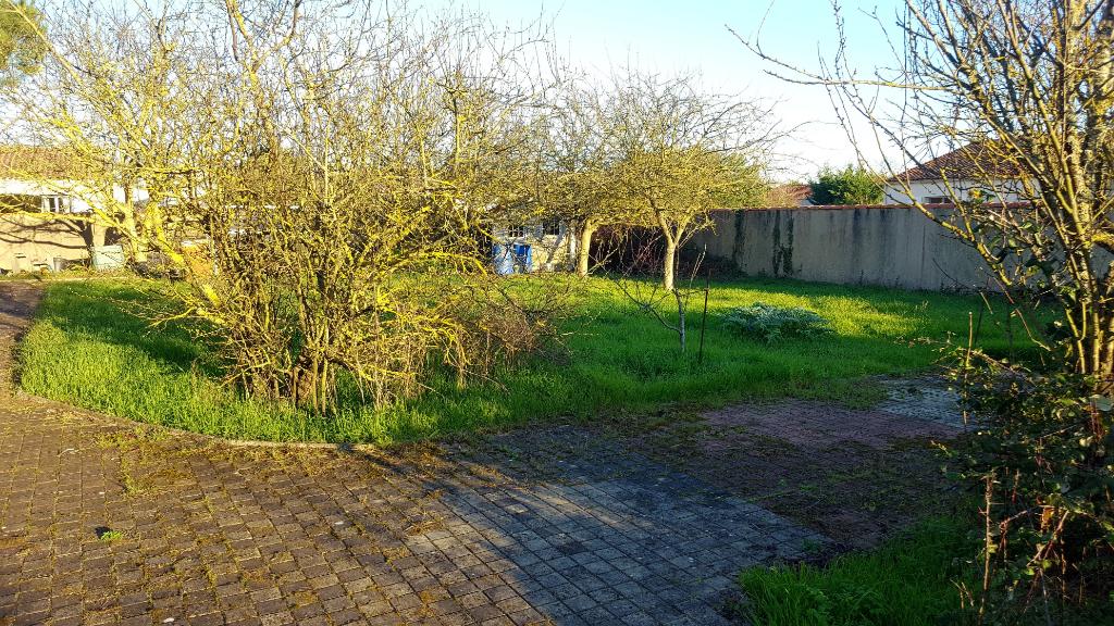 Terrains du constructeur GUY HOQUET • 733 m² • LA ROCHELLE