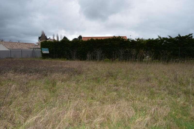 Terrains du constructeur SQUARE HABITAT CHALLANS • 846 m² • CHALLANS