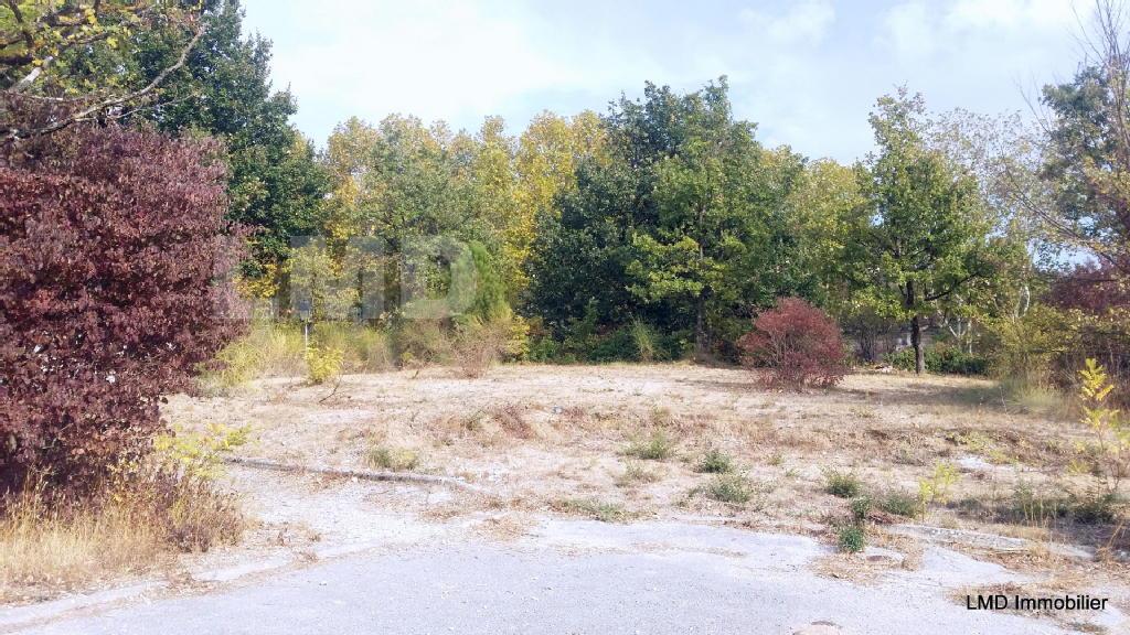 Terrains du constructeur LMD IMMOBILIER • 450 m² • BRUE AURIAC
