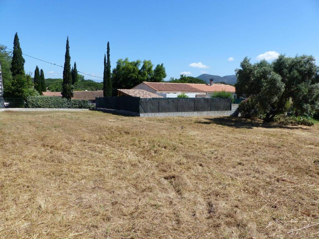 Terrains du constructeur INTRAMUROS IMMOBILIER • 854 m² • FREJUS