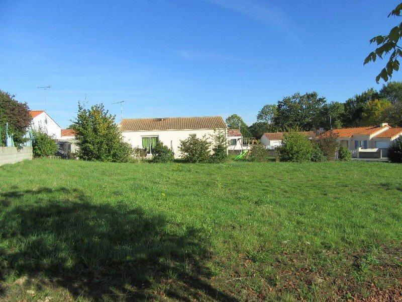 Terrains du constructeur VRIGNAUD ET BIRON IMMOBILIER • 593 m² • LA GARNACHE