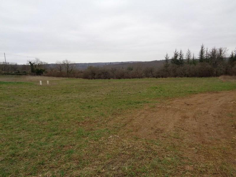 Terrains du constructeur CAPI FRANCE • 1017 m² • GARAT