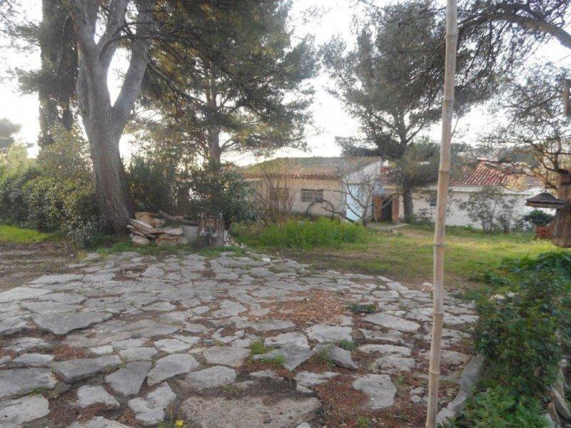 Terrains du constructeur EXPERTIMO • 550 m² • LA CIOTAT