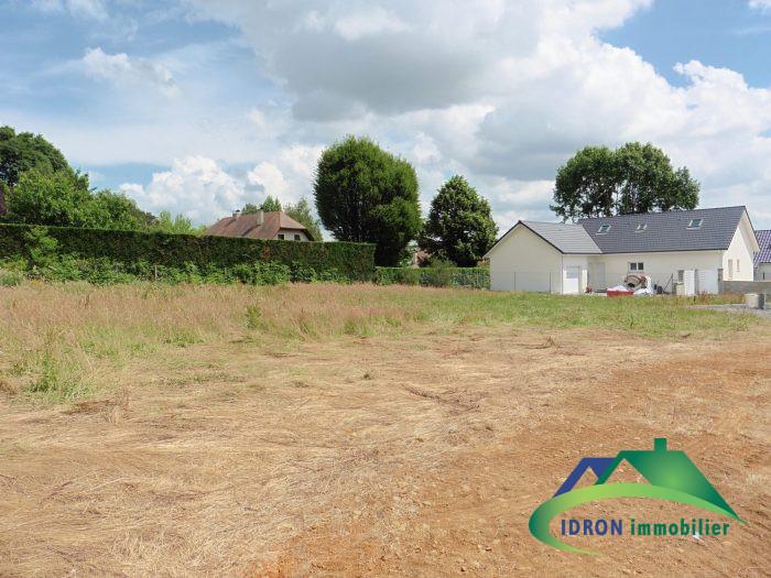 Terrains du constructeur IDRON IMMOBILIER • 695 m² • SAUVAGNON