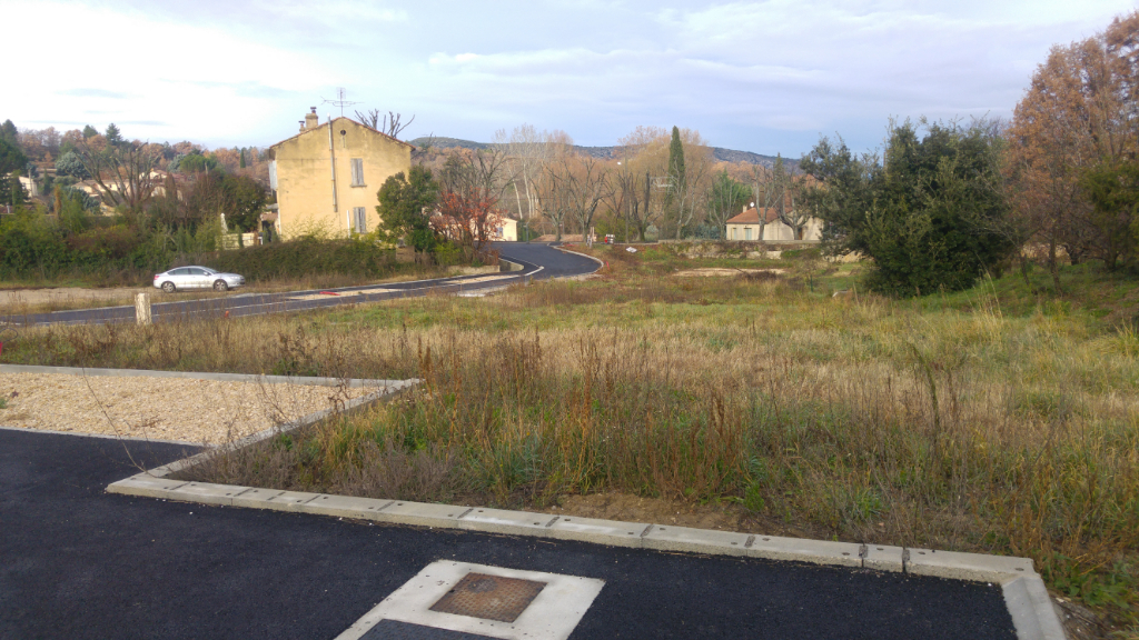 Terrains du constructeur GUY HOQUET L IMMOBILIER GARANTI • 740 m² • MALAUCENE