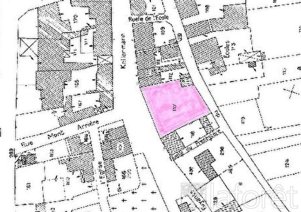 Terrains du constructeur LAFORÊT IMMOBILIER - AGENCE IMMOBILIERE DU NAU • 902 m² • VALMY