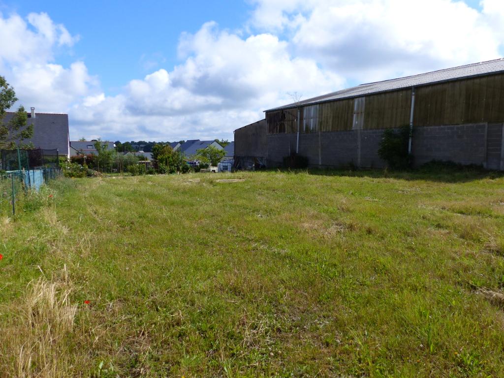 Terrains du constructeur ORPI DANIEL IMMOBILIER • 611 m² • BECON LES GRANITS