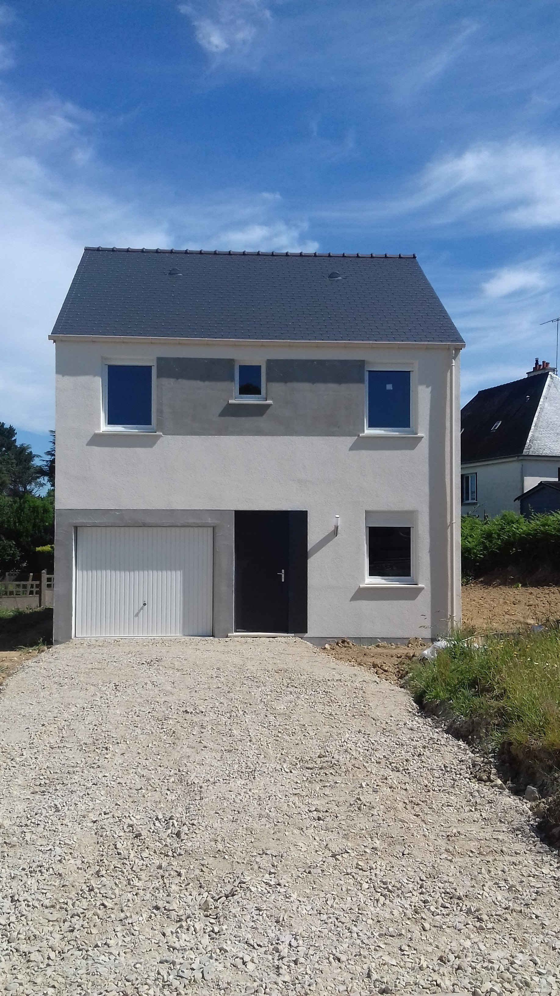 Maisons + Terrains du constructeur MAISONS PHENIX • 90 m² • TUFFE