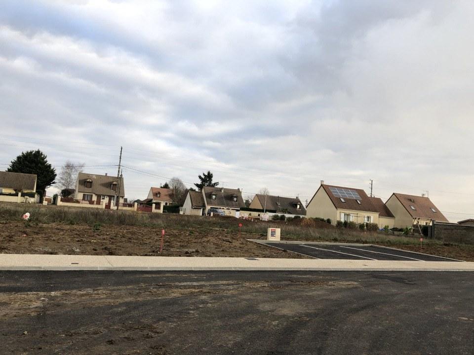 Terrains du constructeur MAISONS FRANCE CONFORT • 310 m² • CERNY