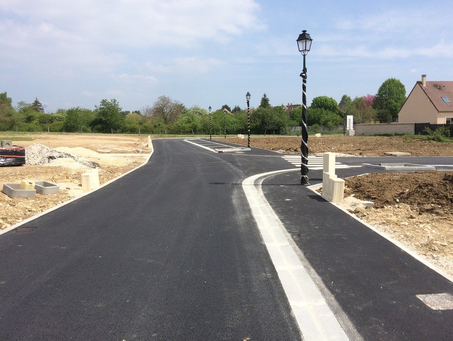 Terrains du constructeur MAISONS FRANCE CONFORT • 342 m² • BREUILLET
