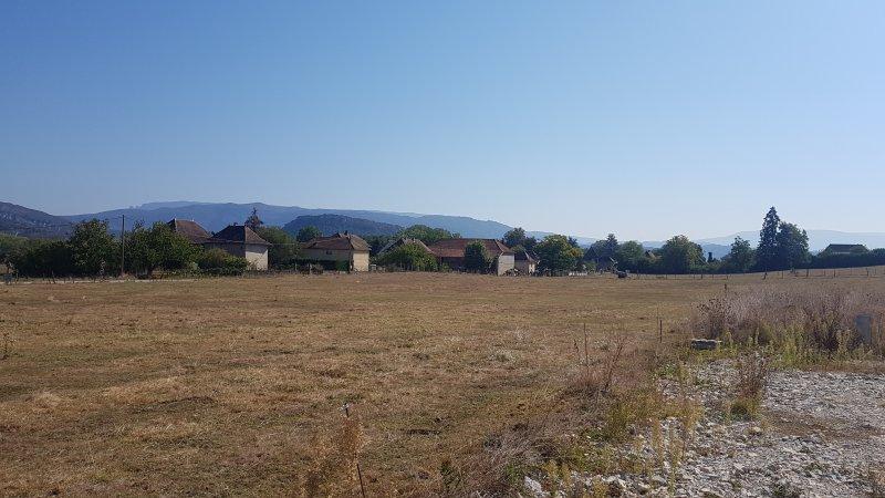 Terrains du constructeur DESIGN BATIMENT MAX IMMO • 673 m² • LES AVENIERES