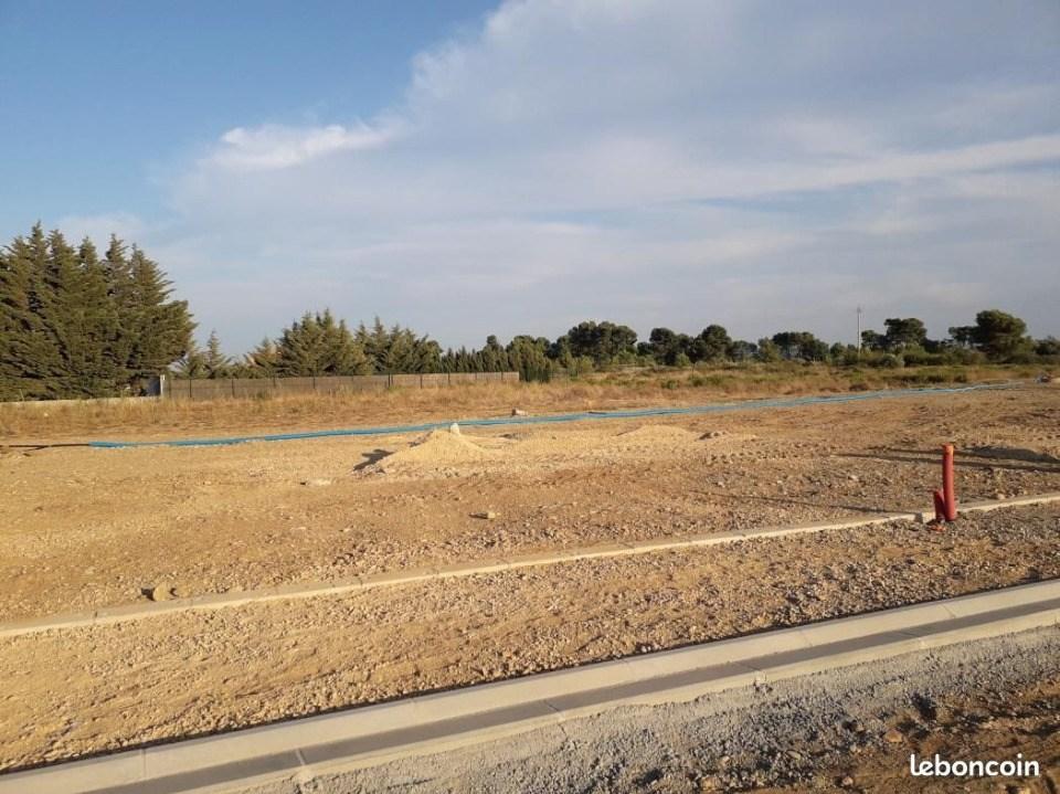 Terrains du constructeur MAISONS FRANCE CONFORT • 353 m² • ROUBIA