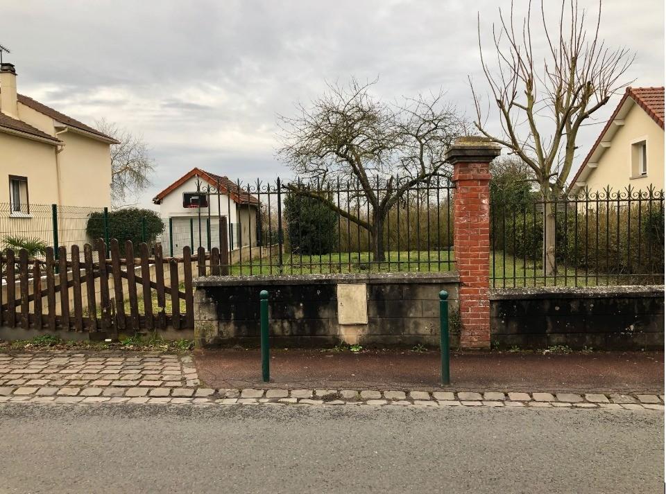 Terrains du constructeur MAISONS FRANCE CONFORT • 297 m² • LOUVRES