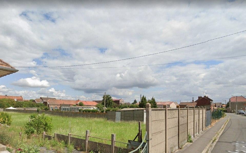 Terrains du constructeur MAISONS FRANCE CONFORT • 589 m² • PROVIN