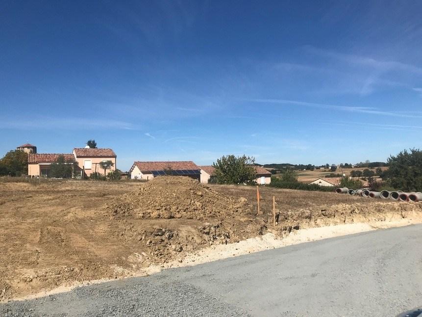 Terrains du constructeur MAISONS FRANCE CONFORT • 687 m² • FAUCH