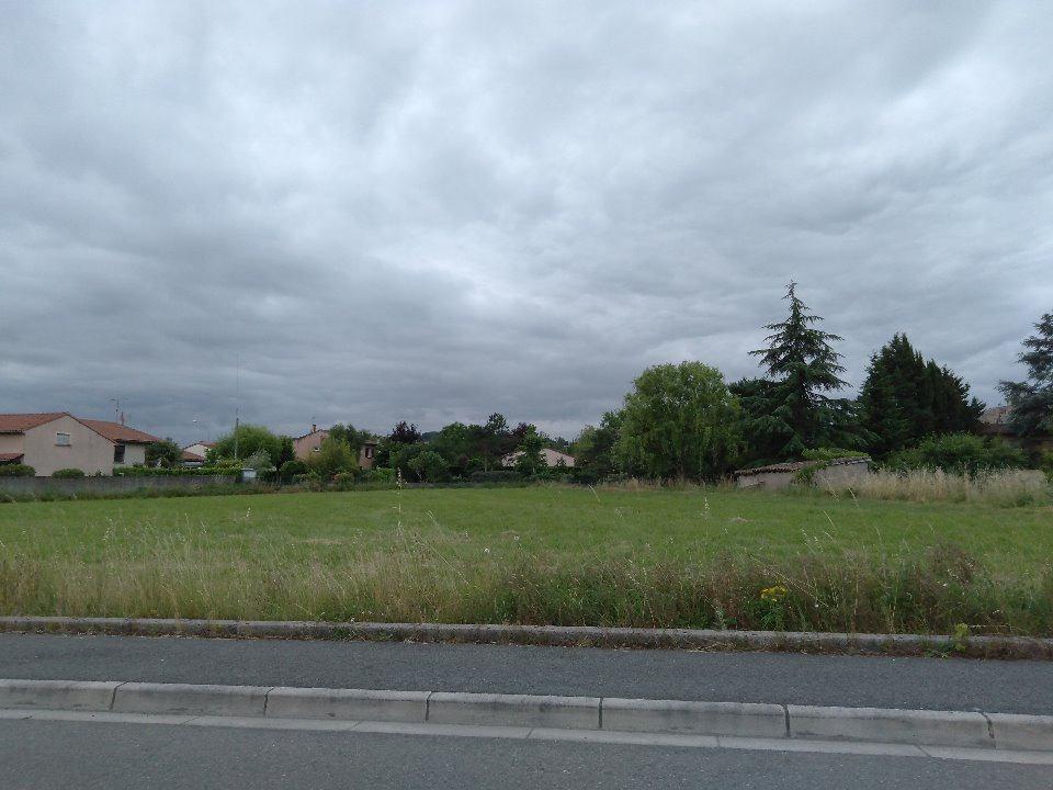 Terrains du constructeur MAISONS FRANCE CONFORT • 555 m² • BRENS