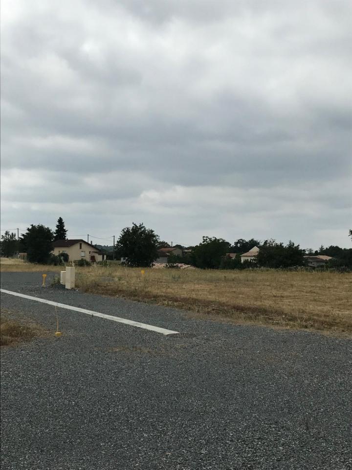 Terrains du constructeur MAISONS FRANCE CONFORT • 1013 m² • GRAULHET