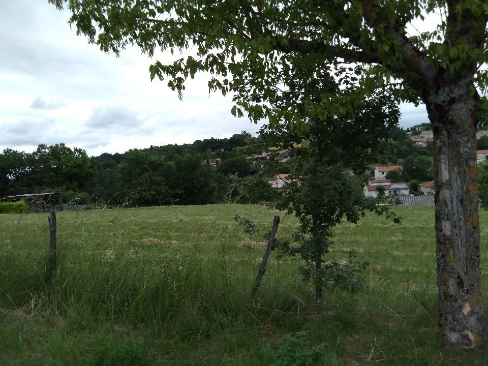 Terrains du constructeur MAISONS FRANCE CONFORT • 910 m² • CUNAC