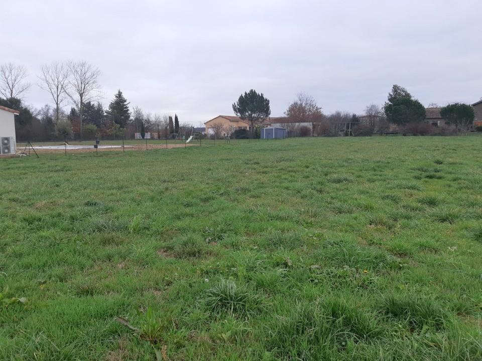 Terrains du constructeur MAISONS FRANCE CONFORT • 1194 m² • LOUPIAC