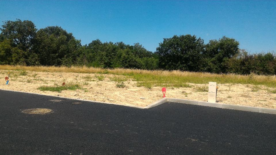 Terrains du constructeur MAISONS FRANCE CONFORT • 623 m² • PINS JUSTARET