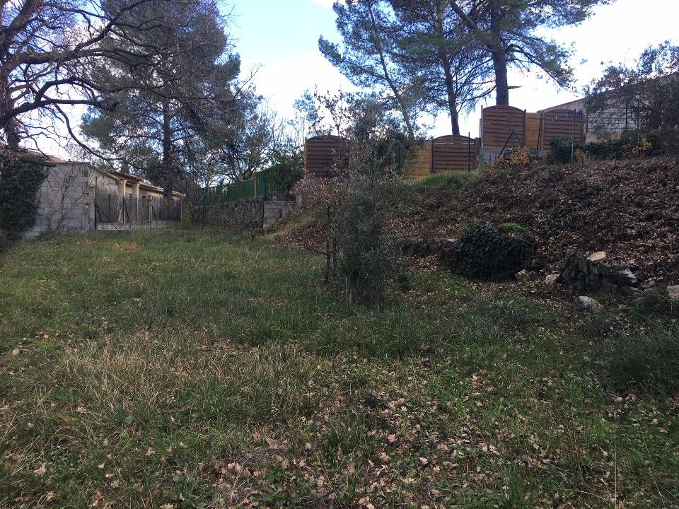 Terrains du constructeur MAISONS FRANCE CONFORT • 798 m² • FIGANIERES