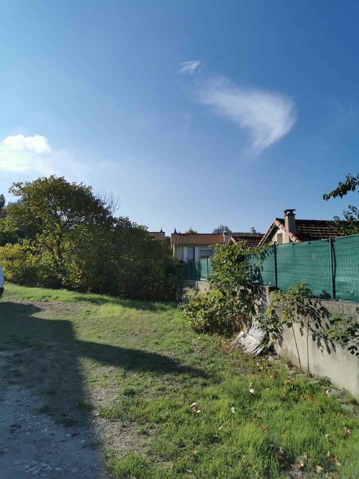 Terrains du constructeur MAISONS FRANCE CONFORT • 462 m² • MARSEILLE 11E