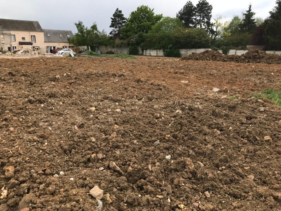 Terrains du constructeur MAISONS FRANCE CONFORT • 417 m² • AUNEAU