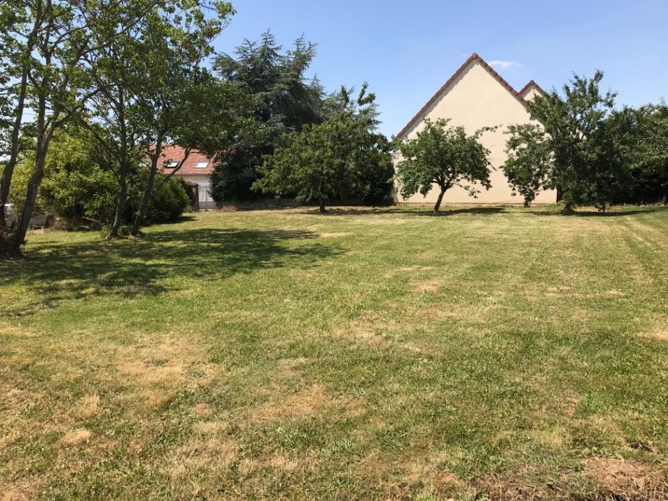 Terrains du constructeur MAISONS FRANCE CONFORT • 622 m² • BERCHERES SAINT GERMAIN