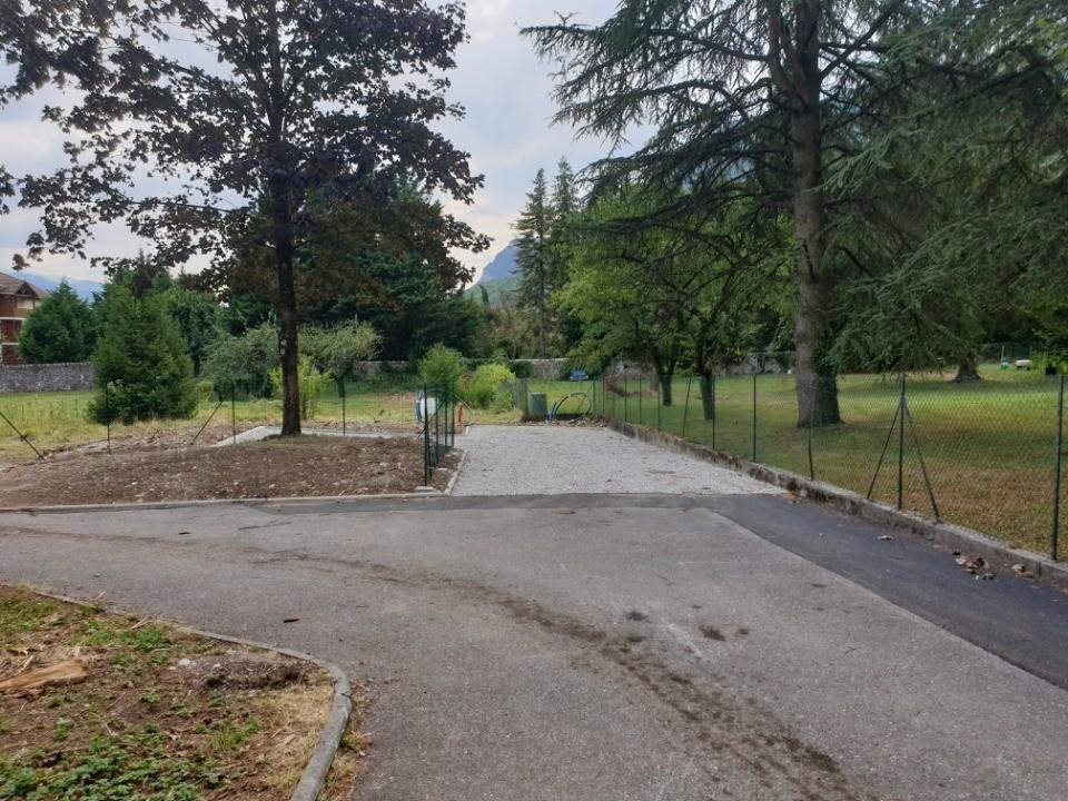 Terrains du constructeur MAISONS FRANCE CONFORT • 495 m² • LE TOUVET
